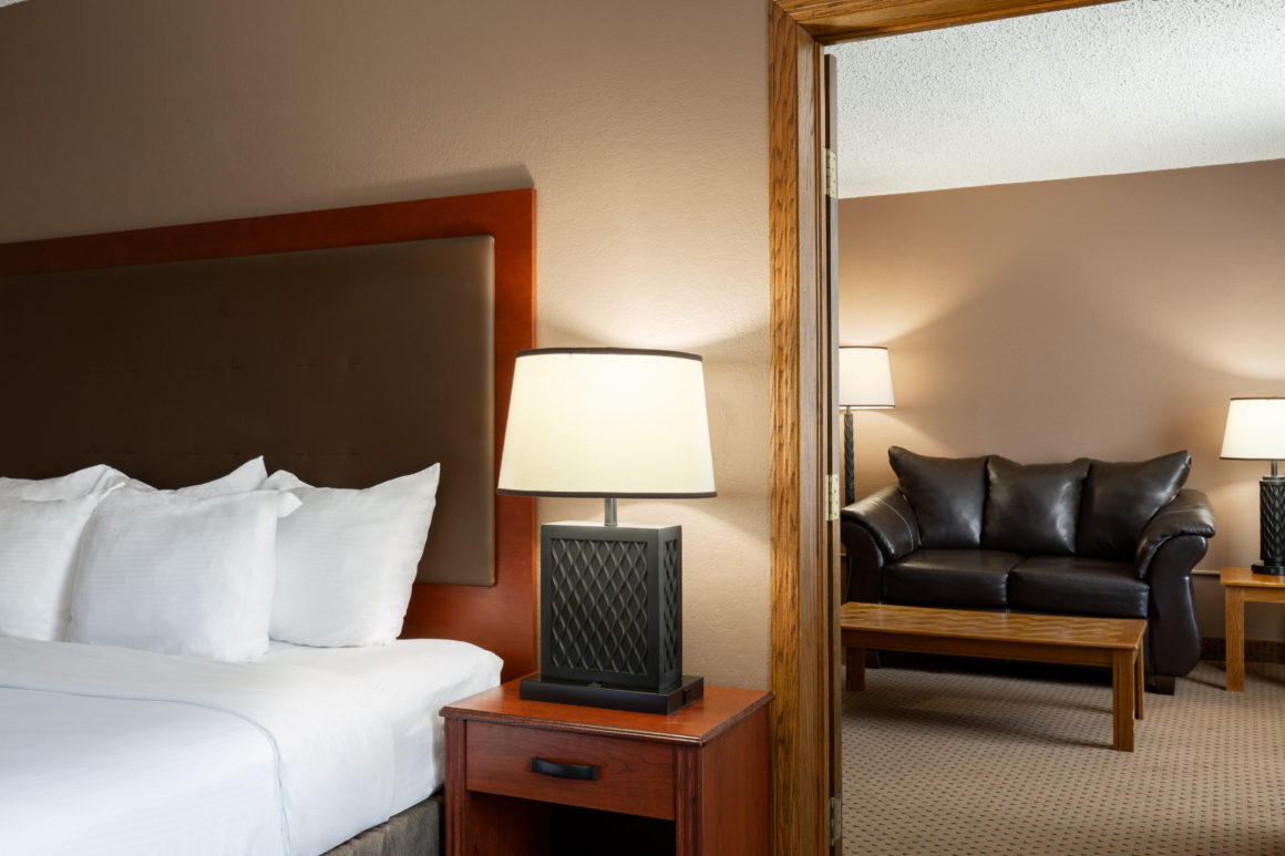 One King Bed Honeymoon Suite